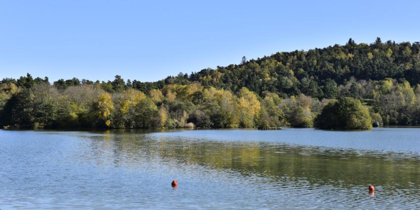 Label pavillon bleu pour le lac d'Aydat