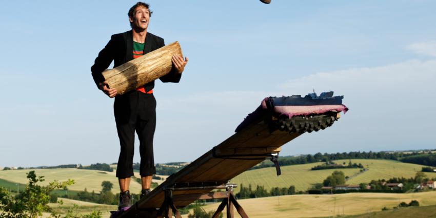 Cirque : «Encore plus», duo de clowns catapultés